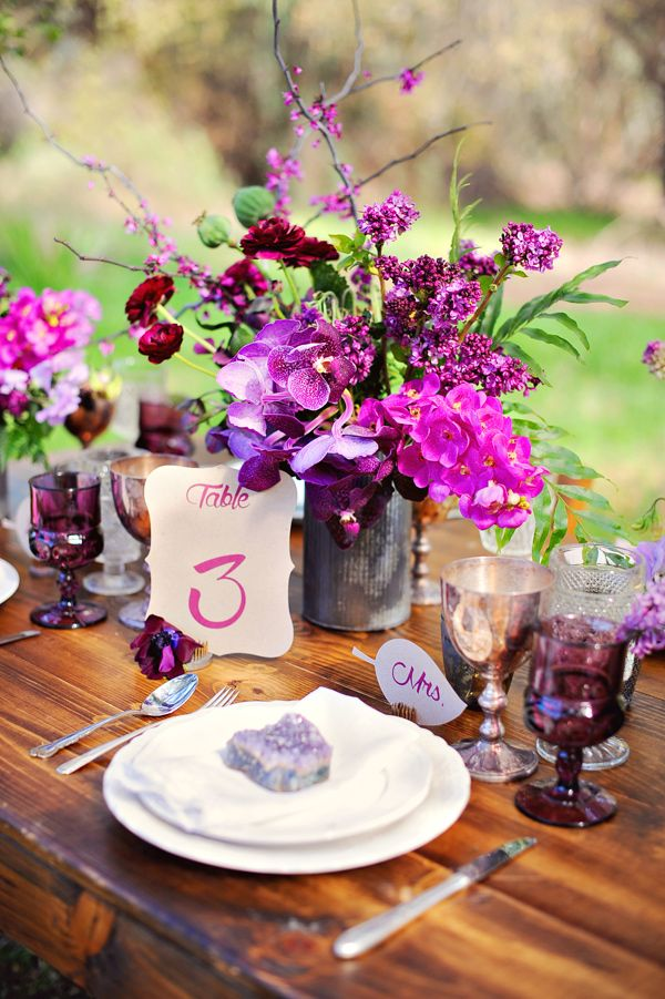 radiant orchid wedding inspiration. Photo by Arina B Photography. Read more: http://www.hummingheartstrings.de/index.php/inspiration/inspiration-hochzeitsfarben-radiant-orchid/