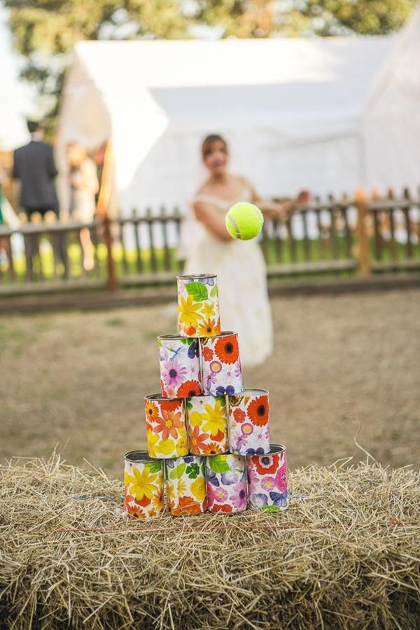The best wedding lawn games. Read more - http://www.hummingheartstrings.de/?p=11463, Photo: David Long Photography
