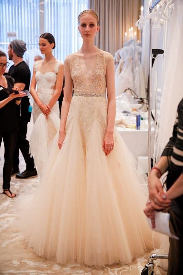 Trends for Bridal Spring 2016. Dress by Monique Lhuillier. Read more - http://www.hummingheartstrings.de/?p=11310