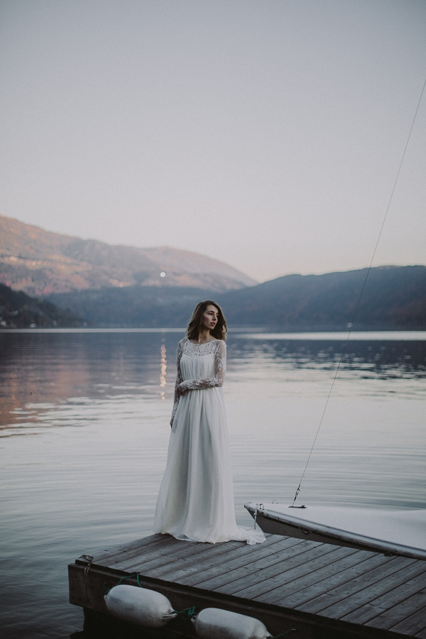 elfenkleid bridal & evening colletion 2016. Photography Roland Faistenberger. Via Wedding Blog Humming Heartstrings (5)
