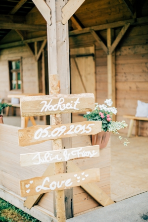 rustic country wedding_Photography Katerina Kepka_Die siebte Wolke. Via Humming Heartstrings (149)