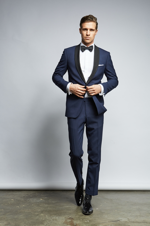 Grooms attire by THE BLOKE_Photography ©Kai Weissenfeld as seen on Wedding Blog Humming Heartstrings (2)