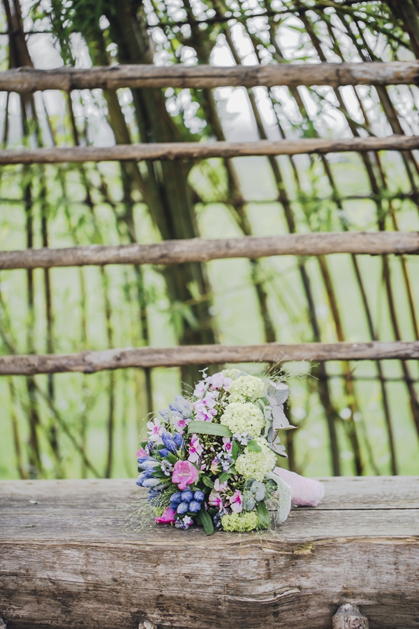 Floral Bridal Shoot_Photography Nati & Sascha Fotografie as seen on Wedding Blog Humming Heartstrings (125)