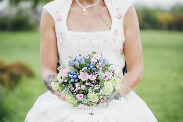 Floral Bridal Shoot_Photography Nati & Sascha Fotografie as seen on Wedding Blog Humming Heartstrings (137)