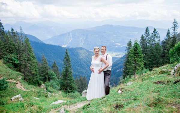 Stunning Mountaintop Wedding by Natascha Grunert Fotografie as seen on Wedding Blog Humming Heartstrings (58)