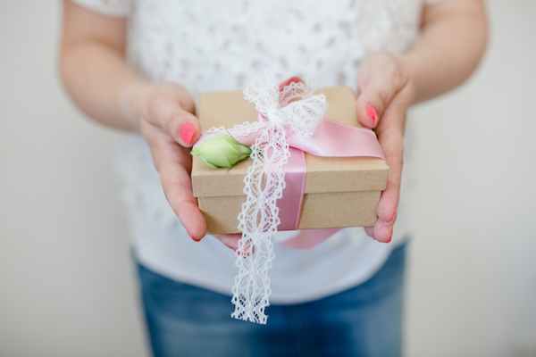 Bridesmaid Gift Box by Patricia Kranich. Photography by Julia Basmann as seen on Wedding Blog Humming Heartstrings 4
