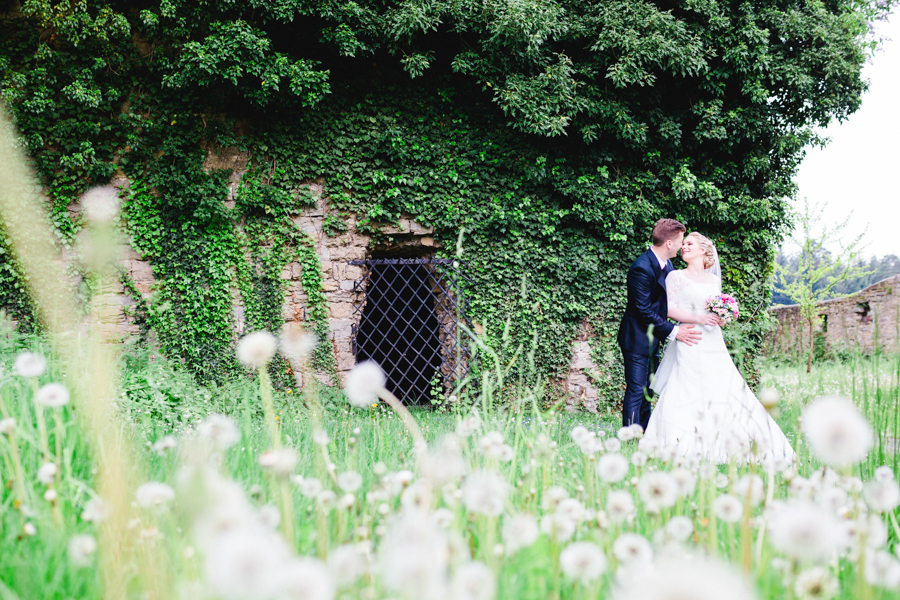 rustic barn wedding_Photography by me & him photography as seen on Wedding Blog Humming Heartstrings 50