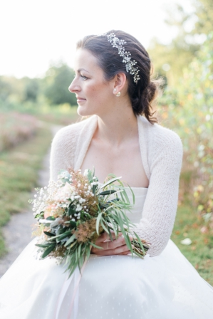 Rustic outdoor Elopement by eXpression Photos as seen on Wedding Blog Humming Heartstrings. Read more: http://www.hummingheartstrings.de/?p=20763