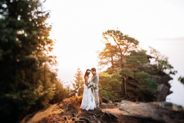 mountain-top-after-wedding-shooting_photography-julia-hofmann-fotografie-as-seen-on-wedding-blog-humming-heartstrings012